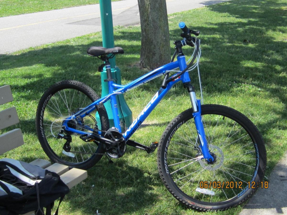 My mountain bike, made in Canada, imagine that